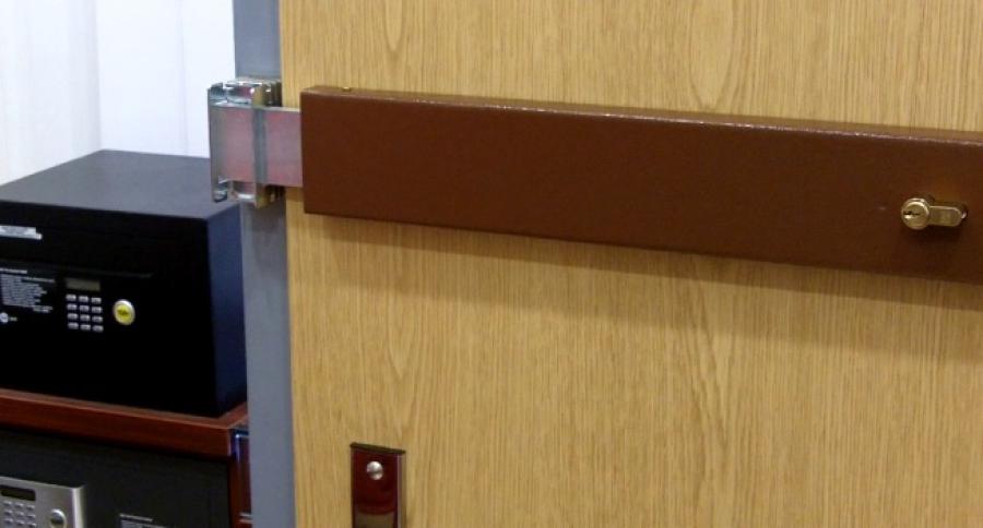 Montáž bezpečnostní závory na dveře, FAB 1550